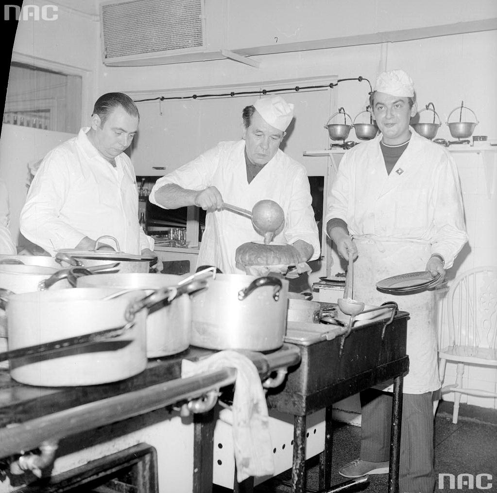 Restauracja ''Gastronomia'' specjalizująca się wkuchni białostockiej2