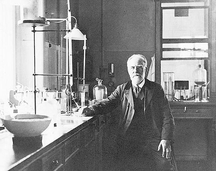 Emil Christian Hansen iCarlsberg Laboratorium, 1897 2W.