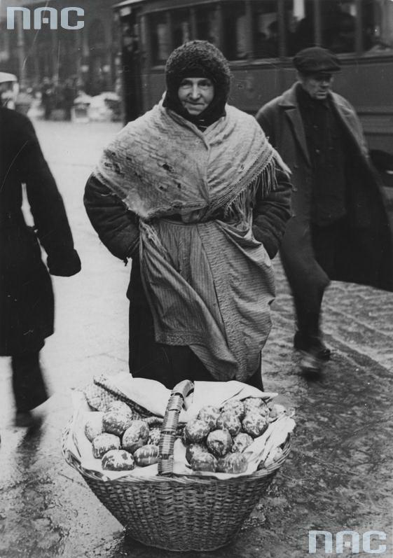 1934 - Uliczna sprzedaż pączków wWarszawie