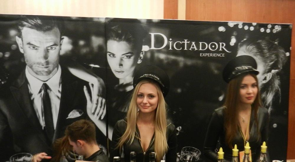 3. Dictador